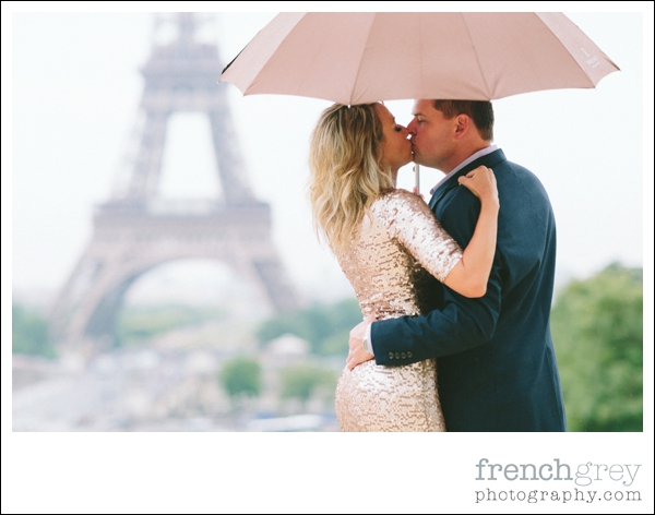 French Grey Photography Engagement Paris 012