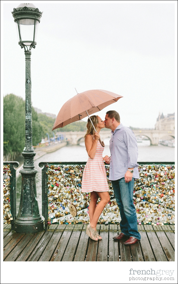 French Grey Photography Engagement Paris 037