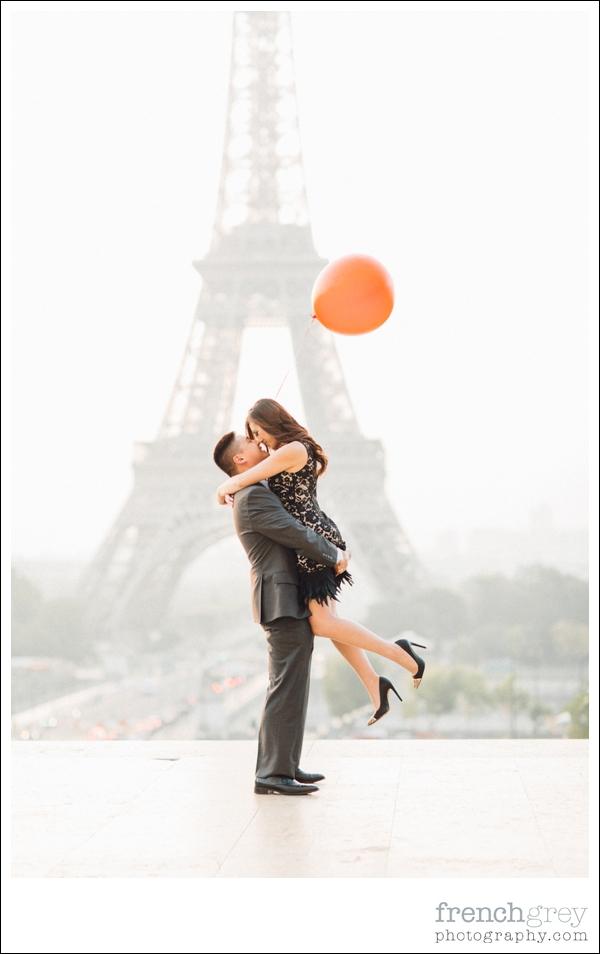 French Grey Photography Pre wedding Paris 005