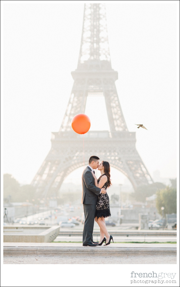 French Grey Photography Pre wedding Paris 016