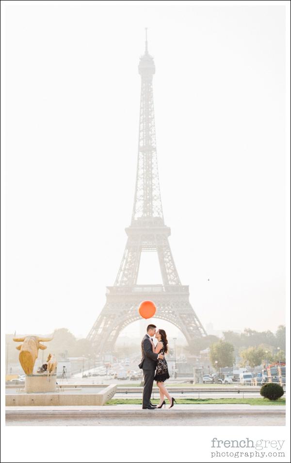French Grey Photography Pre wedding Paris 019