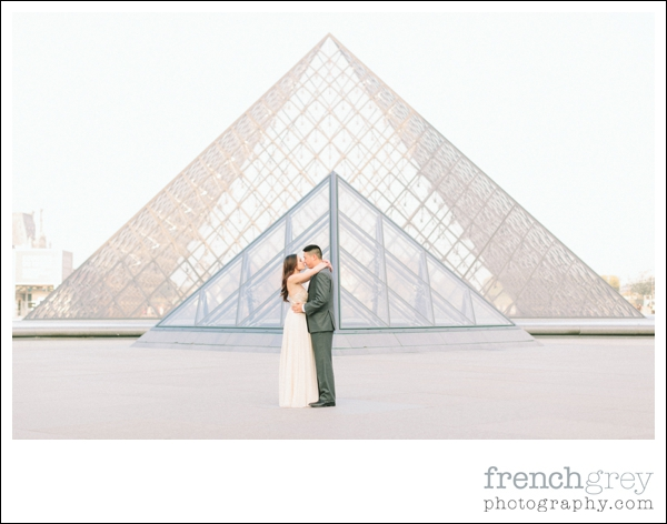 French Grey Photography Pre wedding Paris 025