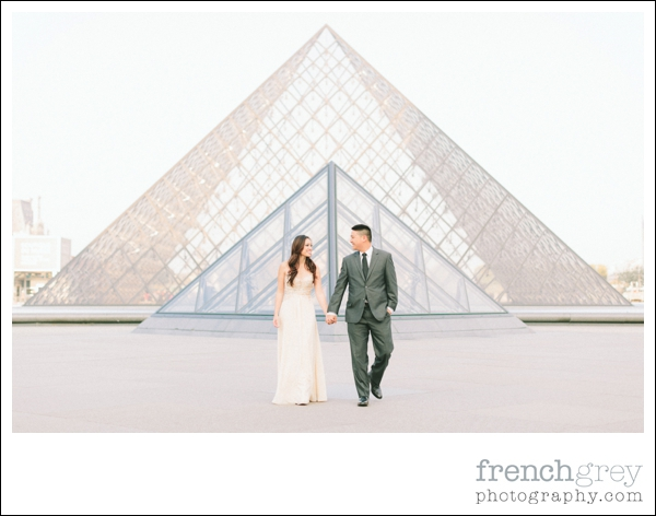 French Grey Photography Pre wedding Paris 026