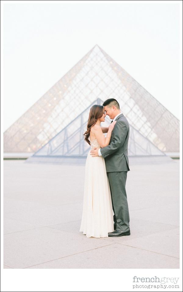 French Grey Photography Pre wedding Paris 028