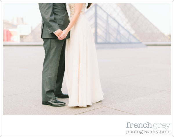 French Grey Photography Pre wedding Paris 031