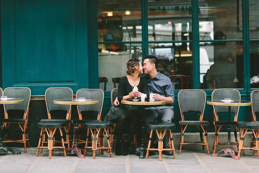 romantic Paris photographer